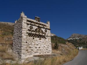Einer der tausend Tabenpaläste von Tinos