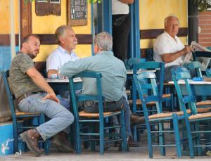 Vormittags in einem Kafenion auf Kreta