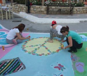 Matala in der Vorbereitung auf das Hippie-Festival