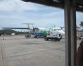 Propeller-Flugzeug vor dem Start ach Griechenland